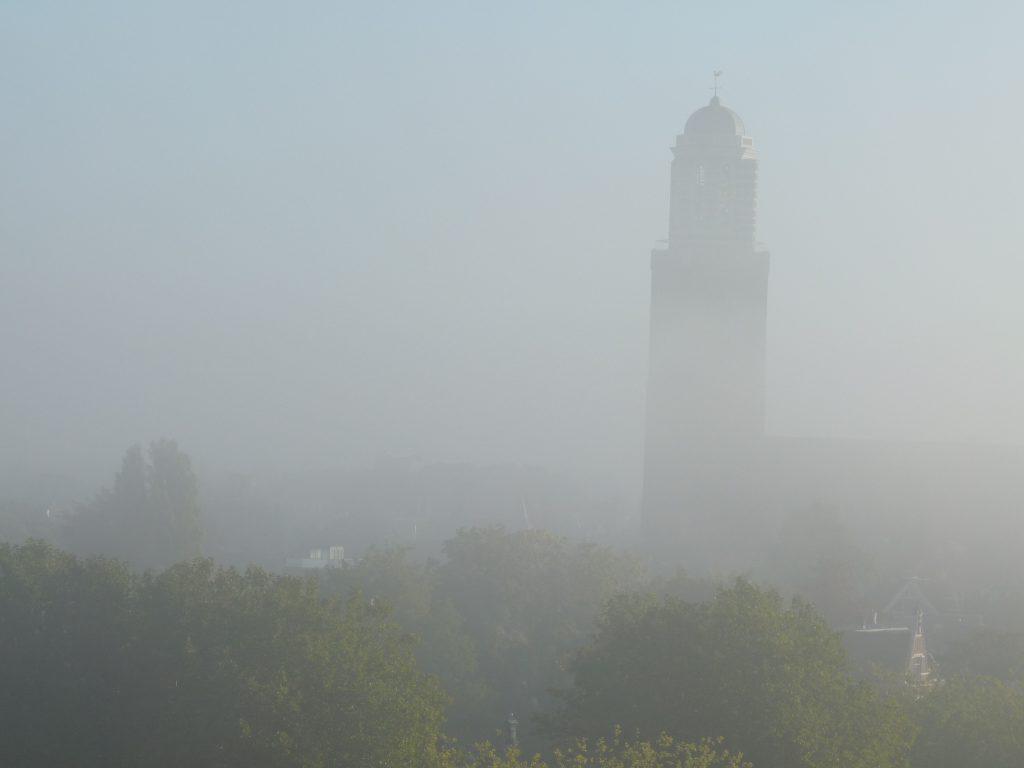 Peperbus_Zwolle in de mist