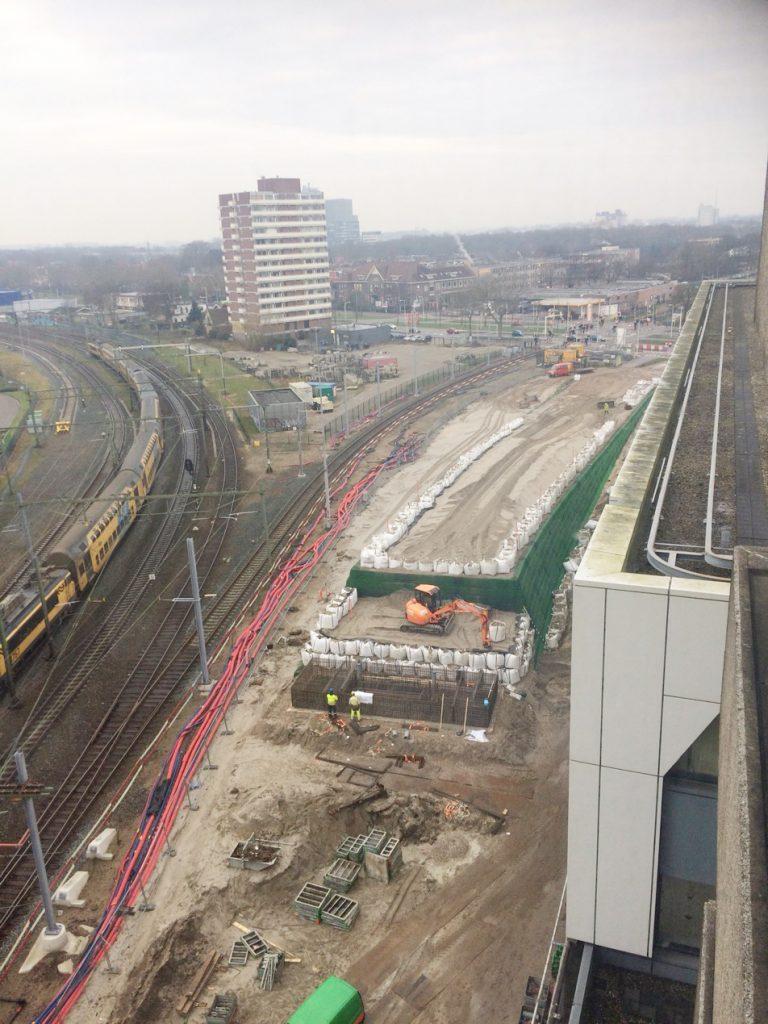Foto aanleg landhoofd van de busbrug noordzijde